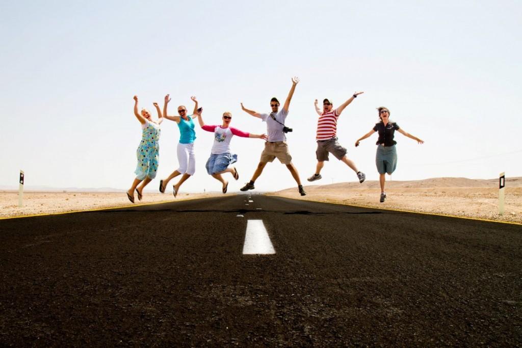 Desert Road Jump por Jonathan Goff