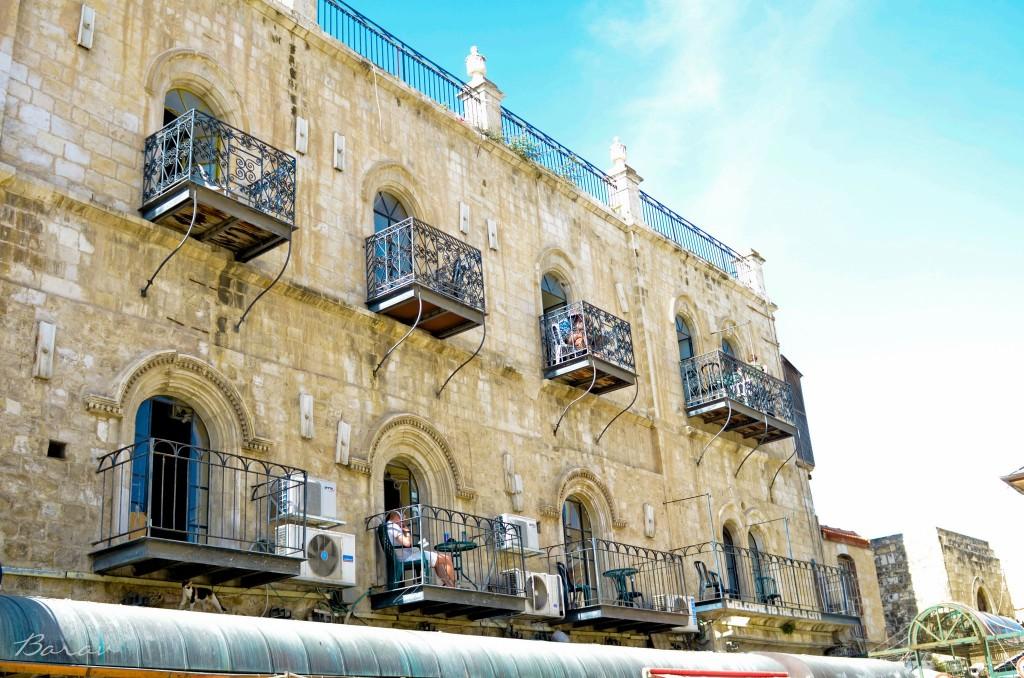 Balcones, Jerusalén por Nir Barav