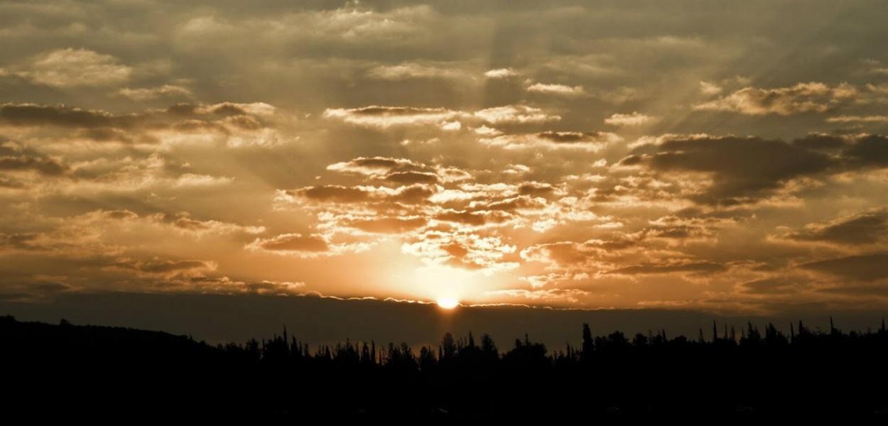 Amanecer, Monte Hemón por Jonathan Goff