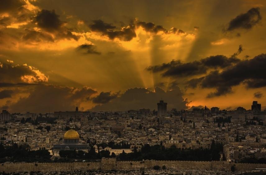 La ciudad santa por Isam Telhami