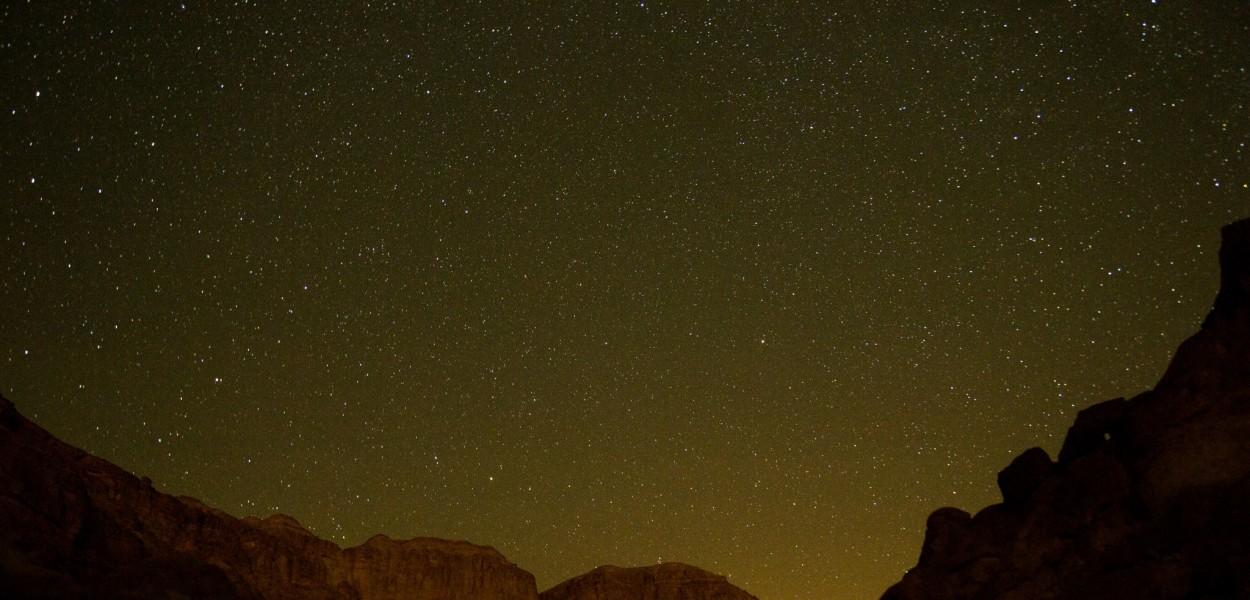 Estrellas en Timna por Jonathan Goff